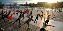 В парках Москвы стартуют бесплатные занятия по медитации