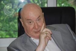 Профессор РГУФКСМиТ Сергей Чернов: В четыре года влюбился в двадцатилетнюю соседку по коммуналке. Стоял у двери с деревянным автоматом и бил ее ухажеров по спине